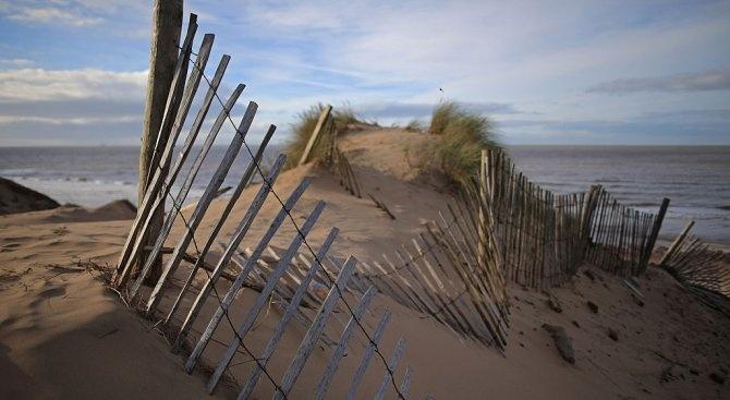 """Екоинспектори ще извършат повторна проверка на увредените дюни на къмпинг """"Смокиня"""""""