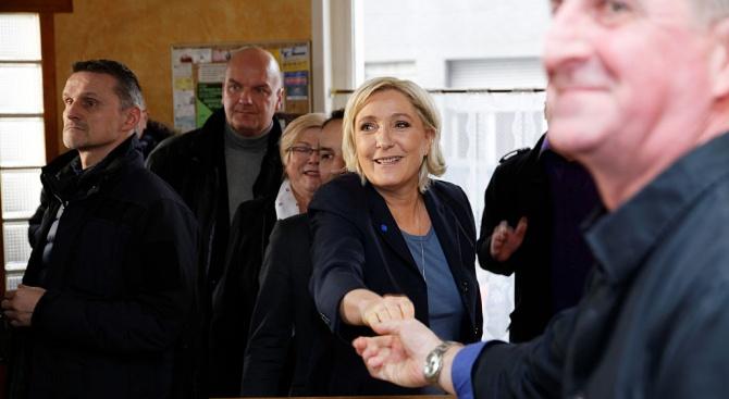 Жълтите жилетки вкарват Марин Льо Пен в ЕП?