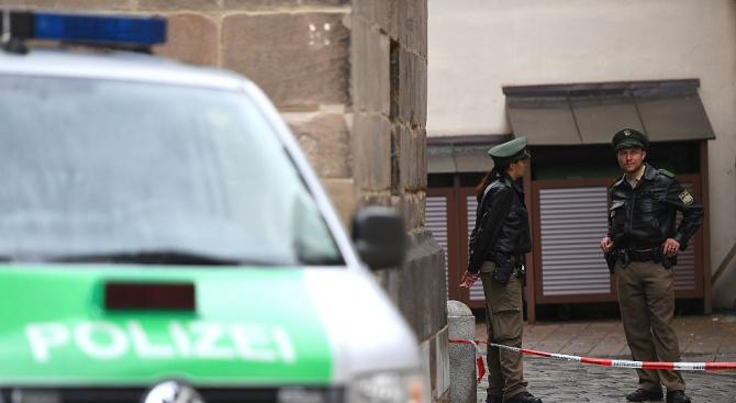 Мъж с нож държа заложник в германска психитария (обновена)