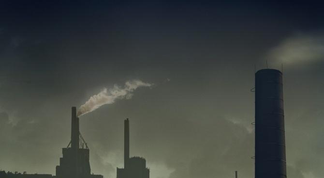 Мерките за борба със замърсяването на въздуха в Македония остават в сила