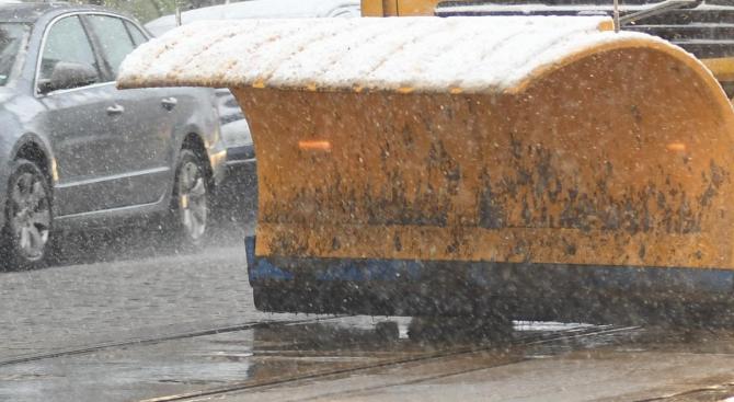 В София 180 машини са работили по почистването на снега на улици и булеварди