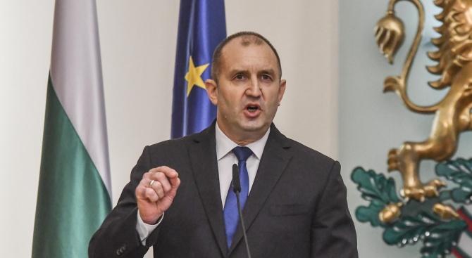 Румен Радев не спря да критикува властта, създава специален съвет, за да бори блокажа в страната (снимки+видео)