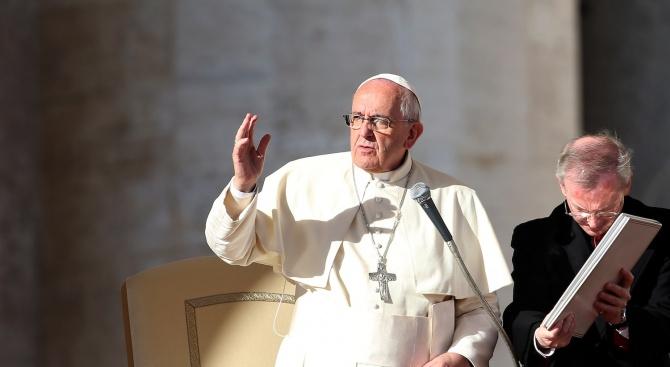 Папата: Сексът да влезе в час