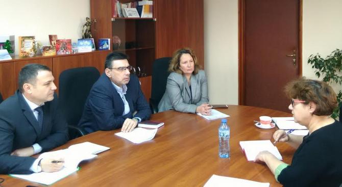Прокурори и лекари от УМБАЛ – Бургас набелязаха конкретни мерки за справяне с насилето над медици
