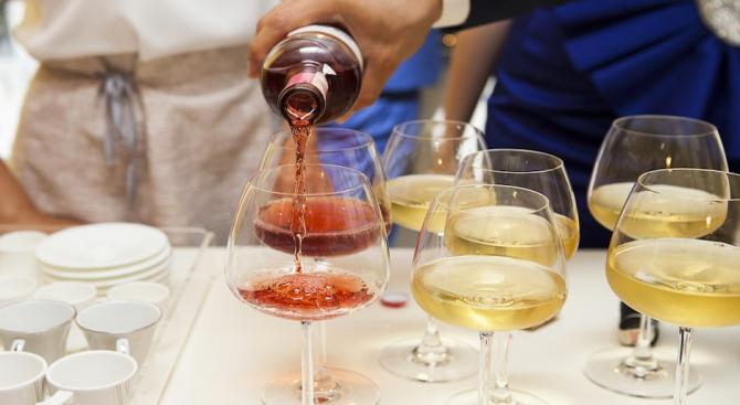 Евростат: В България се консумира алкохол за над 1,2 млрд.лева годишно