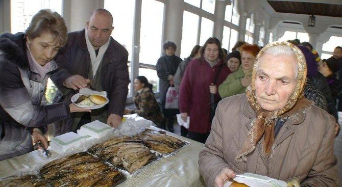 В Добричката община 240 бедни ще получават топла храна до края на април