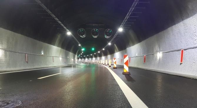 """Движението в тунел """"Траянови врата"""" в посока София ще e в една лента утре"""