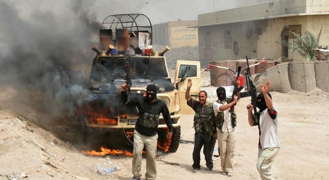 Саудитска Арабия е давала американски оръжия на Ал Кайда?