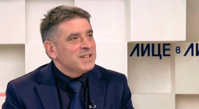 Данаил Кирилов: Машинното гласуване действа! Проблемът е само, че няма достатъчно машини
