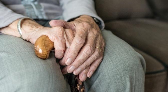 Специалисти изясниха защо жените по-често са засегнати от болестта на Алцхаймер