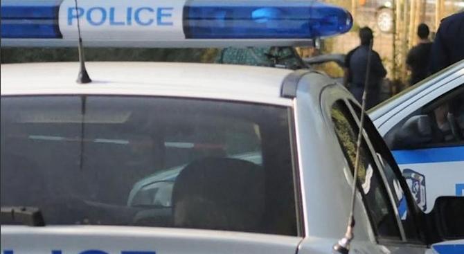 Закопчаха 19-годишен за агресивно поведение срещу полицаи