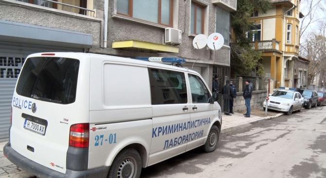 Разследват двойно убийство в Шумен (снимки)