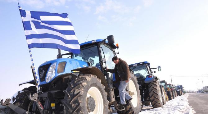 МВнР с важна информация, фермерите в Гърция ще блокират пътища