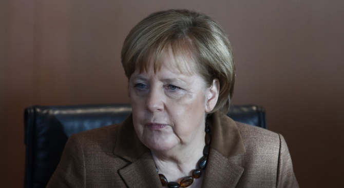 Меркел: Намиране на решениеза Брекзит е възможно и в рамкитена сегашното споразумение