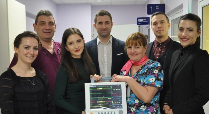 """Детската хирургия на УМБАЛСМ """"Н. И. Пирогов"""" получи модерен монитор като дарение"""