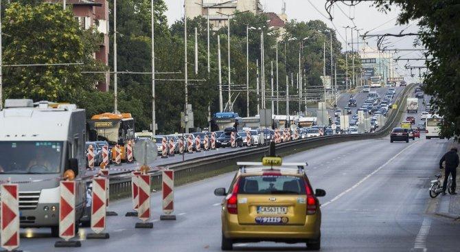 """Две катастрофи затрудняват движението по бул. """"Цариградско шосе"""""""