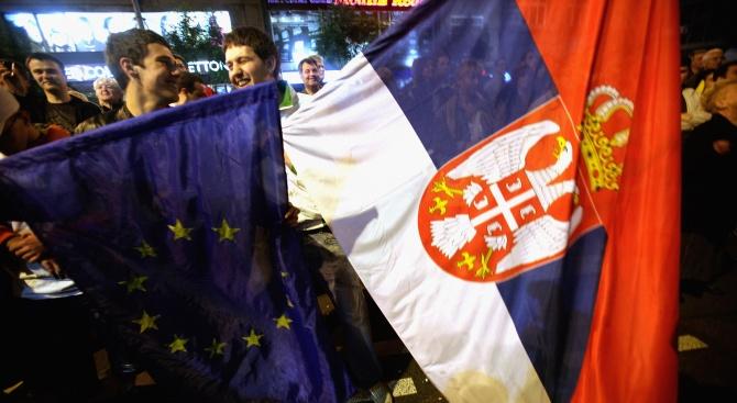 Сърбите протестират срещу президента Вучич за 10-и пореден уикенд