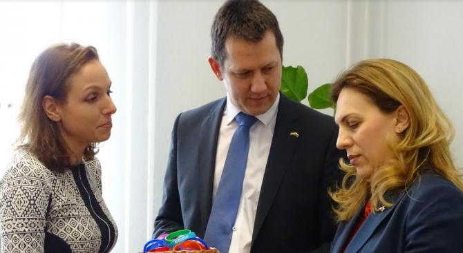 Интеграцията на уязвимите групи е във фокуса на визитата на вицепремиера Марияна Николова в Унгария