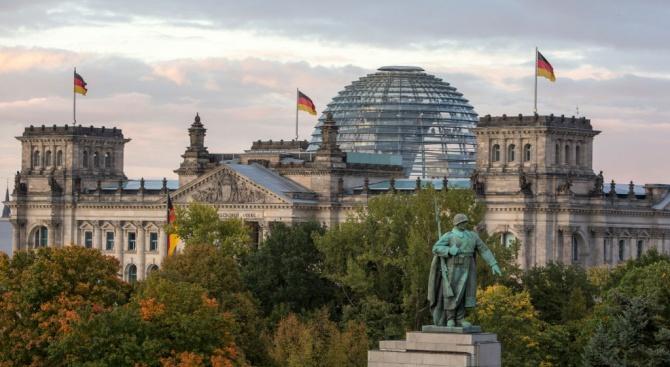 Германия забрани две организации,свързани с действащатав Турция ПКК