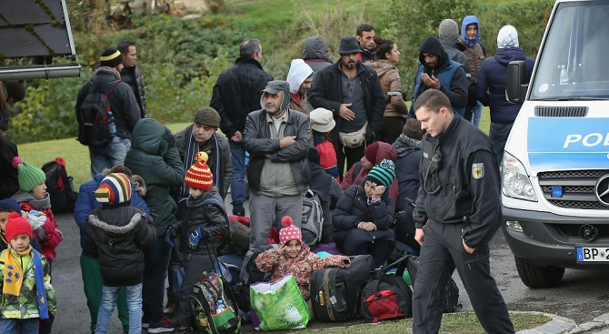 Мигранти преживяха няколко часа в хладилен камион на -22°