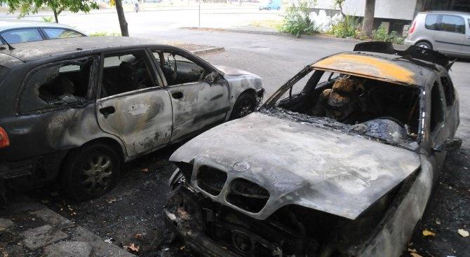 Пожар изпепели три коли в автосервиз в Монтана
