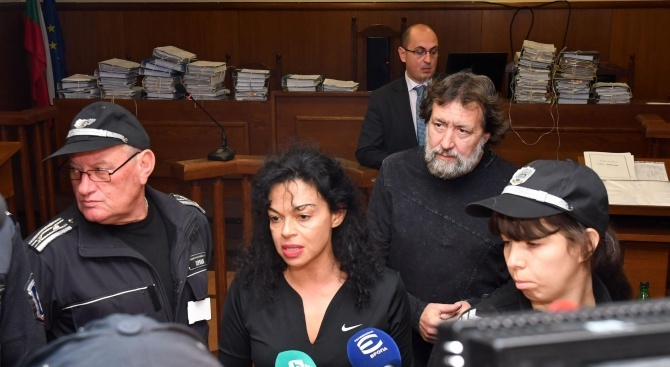 Евгения Банева: Ще се получи интересно, ако ми позволят да си водя кампанията за евродепутат от килията