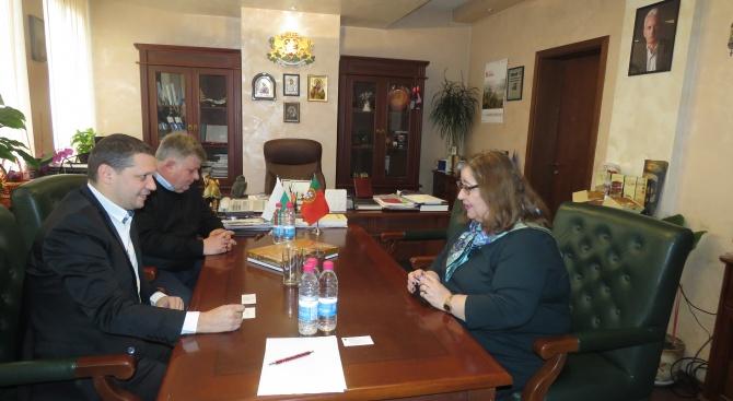 Илиан Тодоров се срещна с португалския посланик Н.Пр. Елена Коутиньо