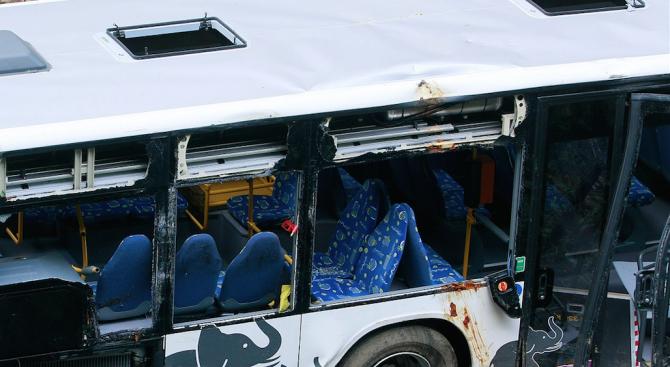 13 души са загинали при автобусна катастрофа в Македония
