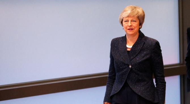Дипломати зоват Тереза Мей да отложи Брекзит