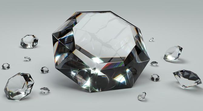 В Италия разкриха незаконна продажба на диаманти с участието на четири големи банки