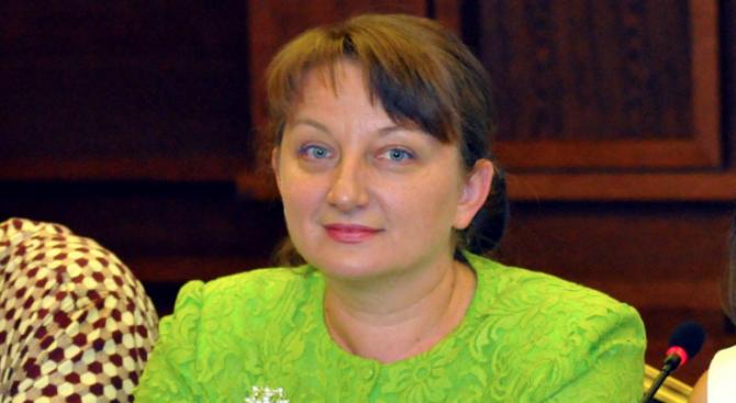Деница Сачева: Глобалното образование е трудна, но необходима тема