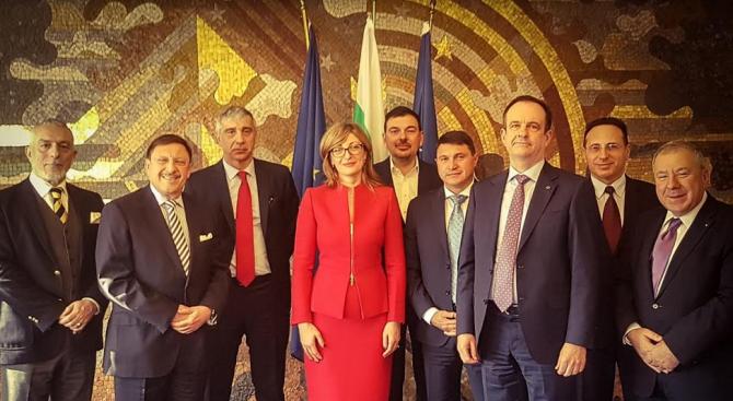 Екатерина Захариева: Външната ни политика трябва да има икономическа насоченост