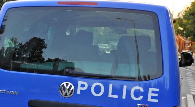 Закопчаха мъж за обиди и агресивно поведение към полицай