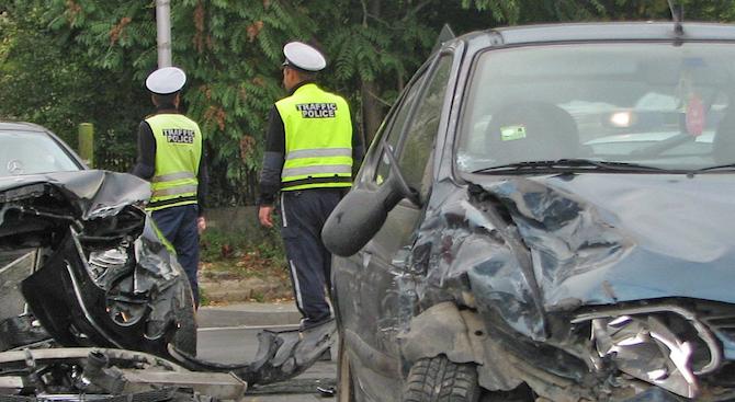 14 души са пострадали при 10 тежки катастрофи за едно денонощие