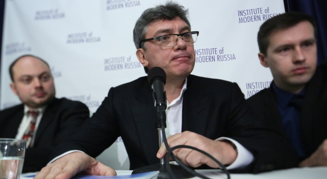 Хиляди почетоха в Москва паметта на руския опозиционер Борис Немцов