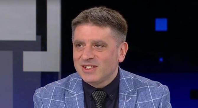 Данаил Кирилов: Машинното гласуване е архаичен метод