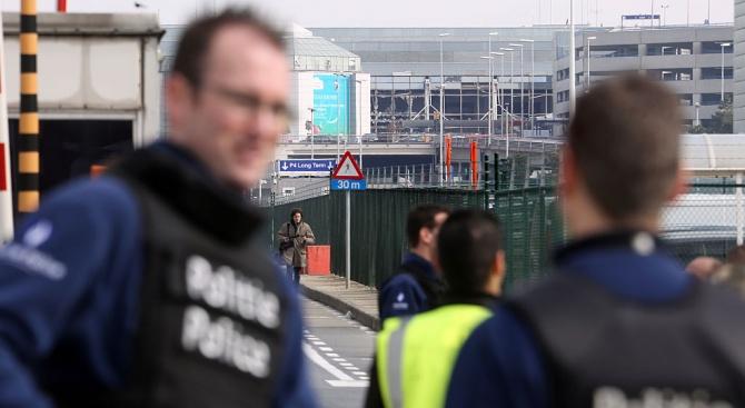 """""""Терорист"""" премина през охраната на удареното от ИД брюкселско летище"""