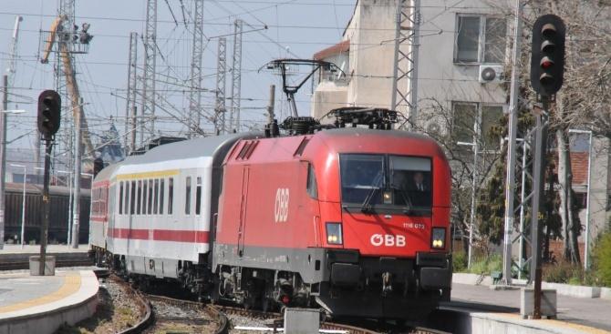 БДЖ осигурява над 8 000 допълнителни места във влаковете за почивните дни по случай Трети март