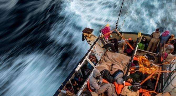 Стотина мигранти отплаваха незаконно с ферибот за Великобритания