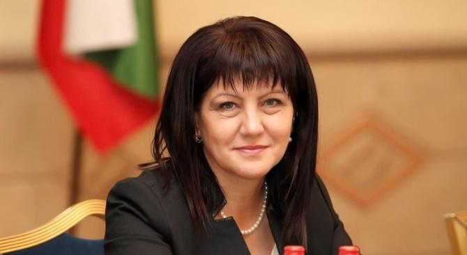 Цвета Караянчева ще се срещне с Дмитрий Медведев