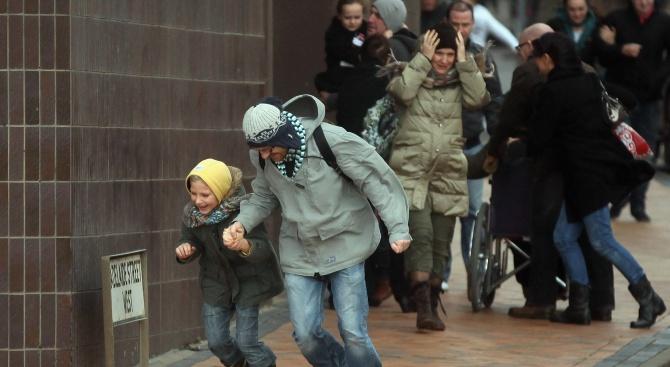 Бурни ветрове в Германия пречат на планирани карнавални прояви