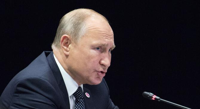 Путин забрани смартфоните в армията
