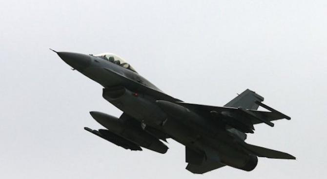 Руски изтребител прехвана американски разузнавателен самолет в небето над Балтика