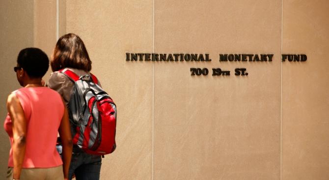 МВФ: Гръцката кредитна система е в опасност