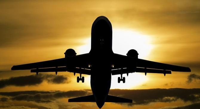 Самолет от Колумбия не е успял да кацне на летището в Каракас поради липса на ток