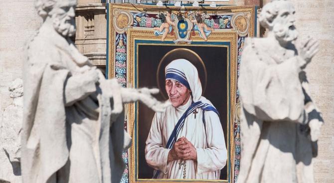Боливуд ще прави биографичен филм за Майка Тереза