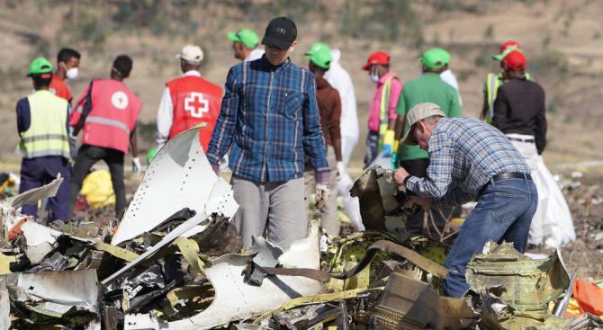 Етиопия праща черните кутии на катастрофиралия Боинг в Европа