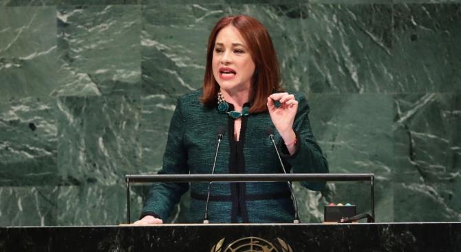 Според данни на ООН жените в политиката са много по-малко от мъжете