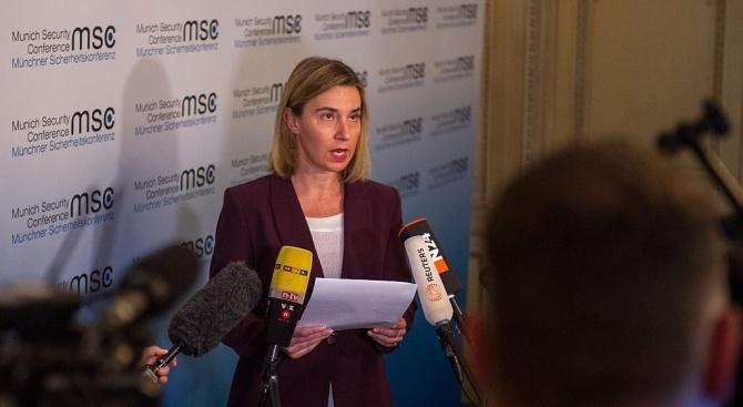 Могерини: ЕС ще отпусне 1,5 милиарда евро за сирийските бежанци в Турция