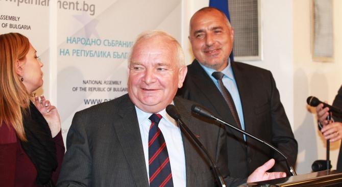 Кой тук вдясно (не) разбра Жозеф Дол - шефа на Борисов?